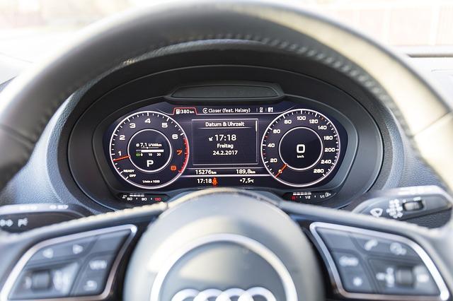 Audi a tachometr