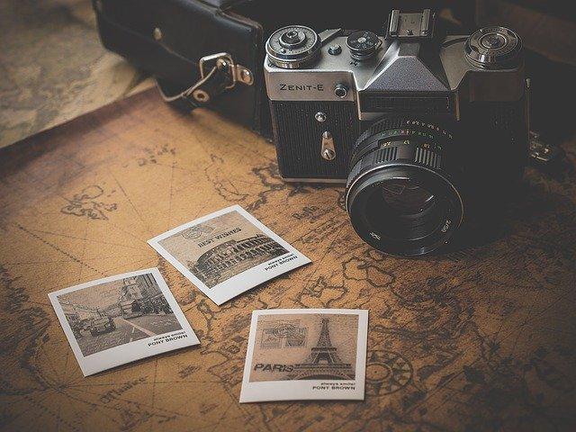 fotoaparát s fotkami