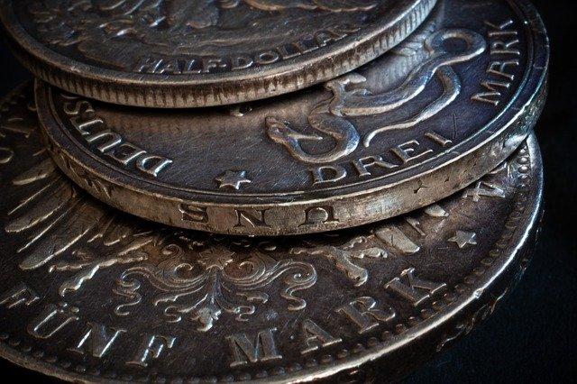 stribrne mince detail